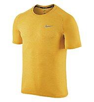 Nike Dri-FIT Knit T-shirt running, Yellow
